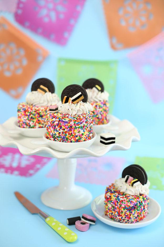 SprinkleBakes+mini+Oreo+sprinkle+cakes